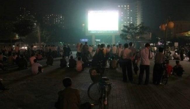 Hình ảnh đặc biệt về không khí xem World Cup tại Triều Tiên