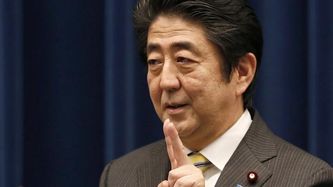 """""""Mũi tên thứ ba"""" của ông Abe"""