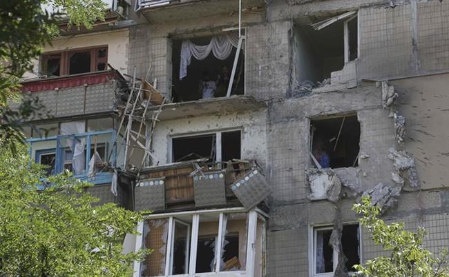 Chìm trong khủng hoảng, kinh tế Ukraine tiếp tục suy giảm