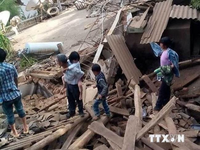 Động đất mạnh 6,5 độ Richter ở Trung Quốc, 150 người thiệt mạng