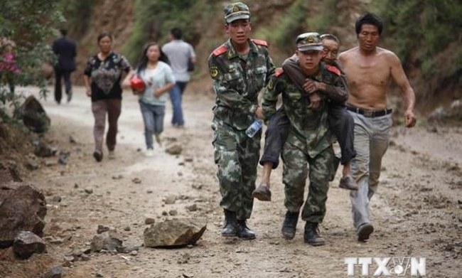 Số người chết trong trận động đất ở Trung Quốc tăng lên gần 370 người