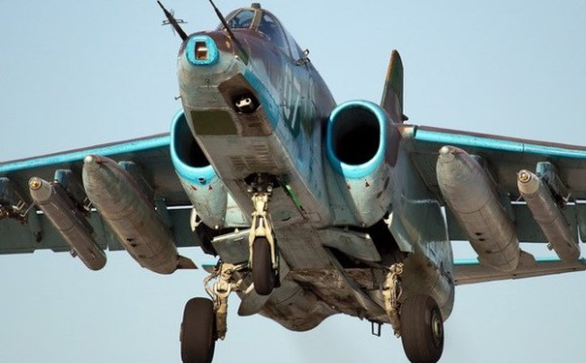 Giới chuyên gia: Máy bay MH17 có thể bị Su-25 bắn hạ