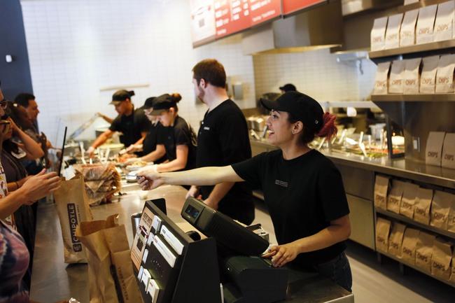 Thị trường lao động Mỹ tiếp tục cải thiện