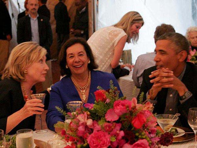 Bà Clinton dọn đường vào Nhà Trắng?