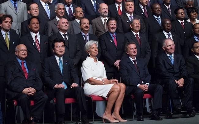 """""""Soi"""" cách thức hoạt động của cỗ máy IMF"""