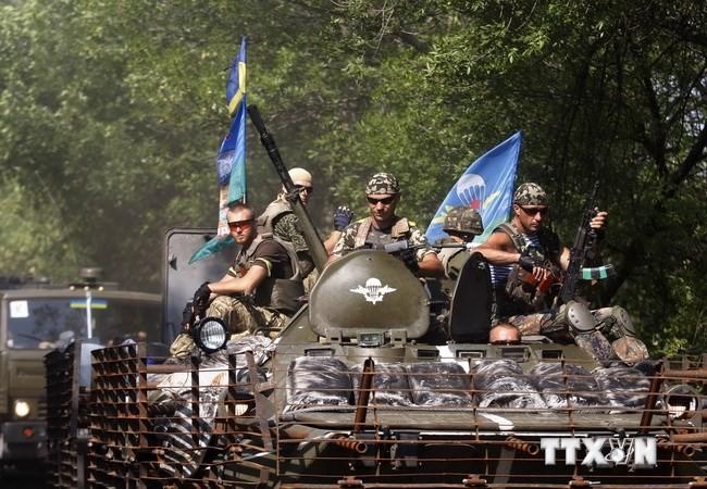Nhân chứng: Binh sĩ Ukraine tiến vào thành phố Lugansk