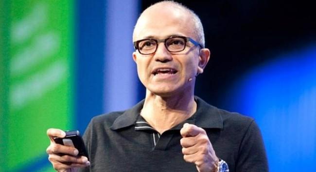 """Bị """"vây ép nghẹt thở,"""" CEO Microsoft sẽ thân chinh tới Trung Quốc"""