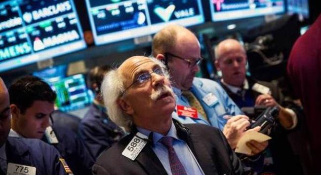 S&P 500 giảm mạnh nhất 1 tháng