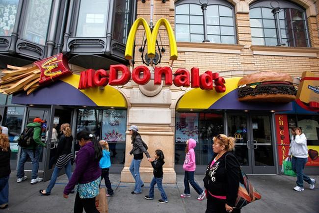 """McDonald's gặp thách thức """"thiên niên kỷ"""""""