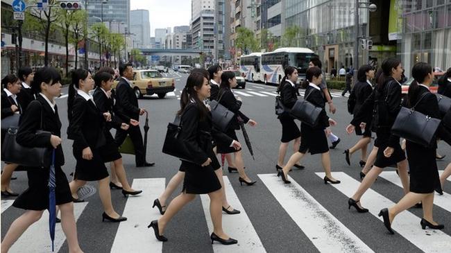 Nghịch lý trên thị trường lao động Nhật Bản