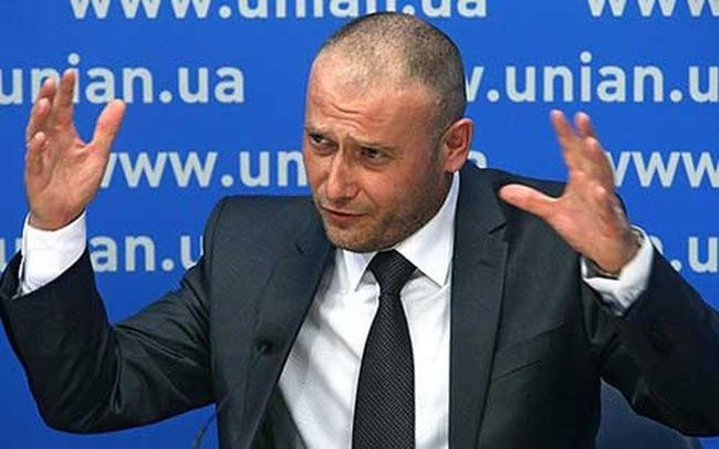 """Tổng thống Ukraine bị đe dọa """"lật đổ"""""""