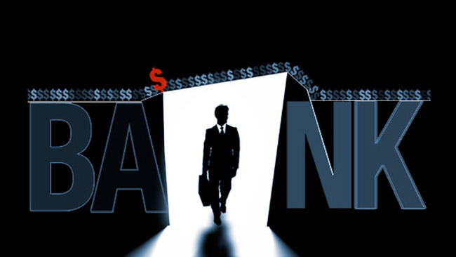 Ngân hàng trong bóng tối: Lớn lên nhờ khủng hoảng