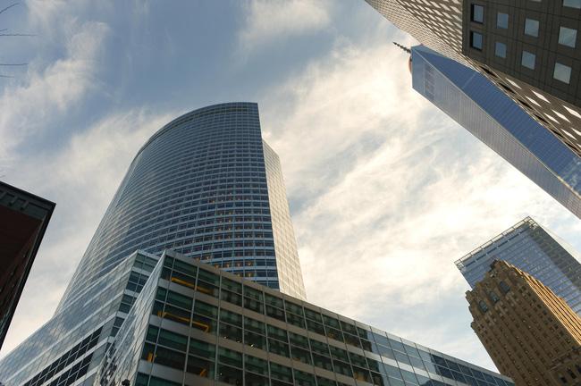Goldman Sachs cấm nhân viên mua cổ phiếu