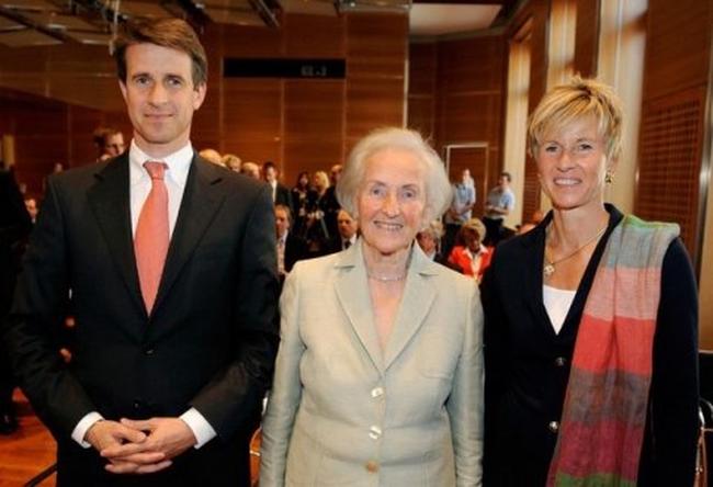 Gia tộc đứng sau BMW giàu nhất nước Đức