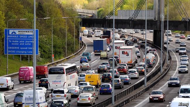 Thế giới mất bao nhiêu tiền vì tắc đường?