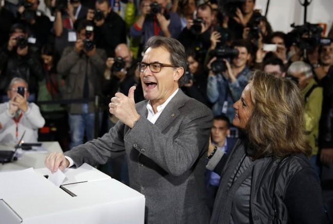 Catalonia: 80% người bỏ phiếu ủng hộ độc lập