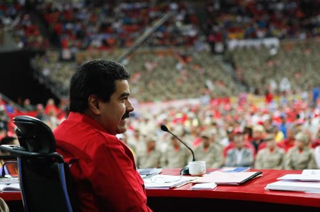 Kinh tế Venezuela lao đao vì giá dầu lao dốc không phanh
