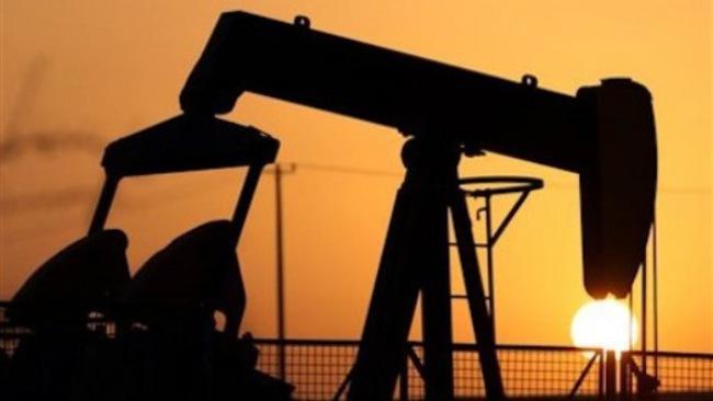 Giá dầu giảm: Không chỉ là câu chuyện dư cung?