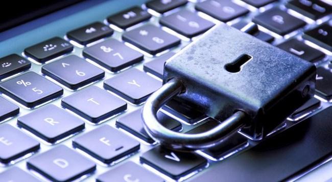 Mỹ: Chơi chứng khoán bằng thông tin ăn cắp