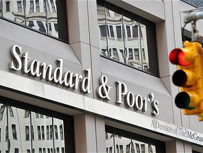Standard & Poor's hạ xếp hạng tín nhiệm của Italy xuống BBB-