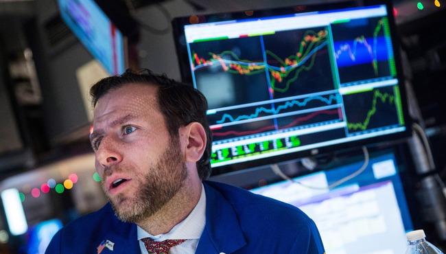 Dow Jones mất 268 điểm vì giá dầu