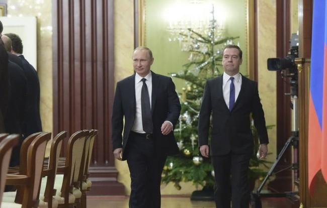 Ông Putin cấm cả dàn bộ trưởng nghỉ lễ