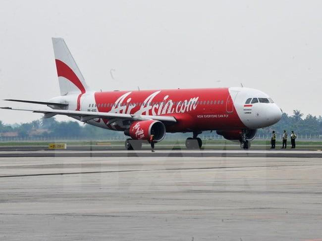 Thêm một máy bay của hãng AirAsia gặp trục trặc kỹ thuật