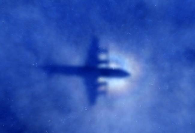 Có gì khác giữa máy bay AirAsia mất tích và MH370?