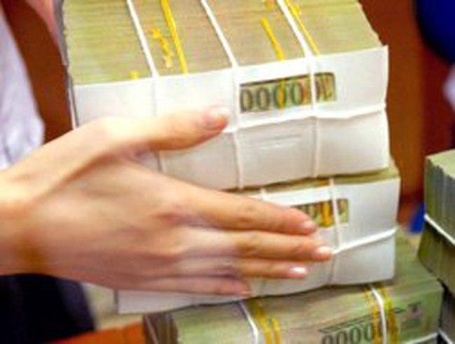 Xử lý nợ xấu: Cắt ngọn trước, bổ gốc sau?
