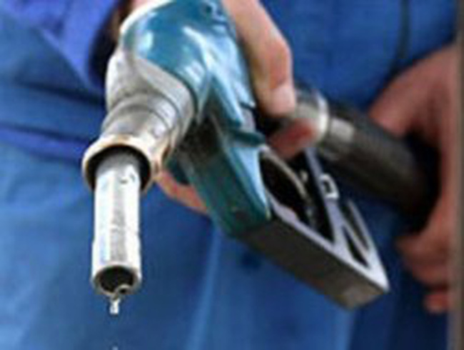 Đánh thuế xa xỉ xăng dầu: Không thể coi là bình thường