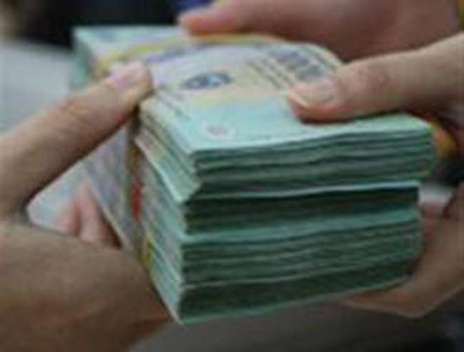 Cần Thơ: Sóng ngầm lãi suất tiền gửi