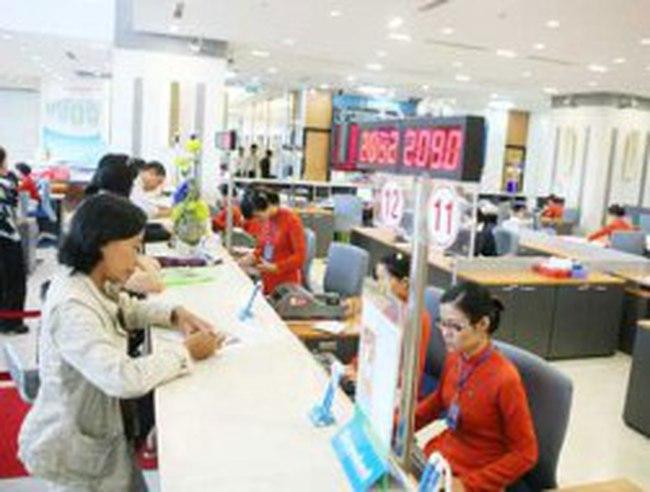 Doanh thu dịch vụ ngân hàng tăng 20-30%