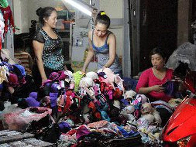 Đồ lót Trung Quốc vẫn ngập chợ