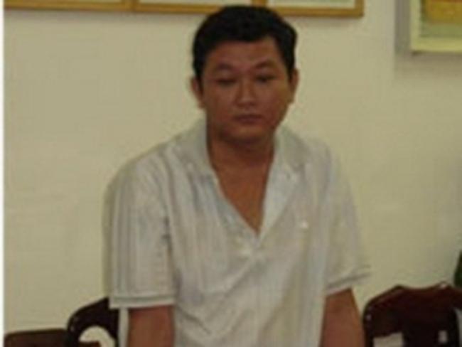 Bắt nguyên GĐ phòng giao dịch ngân hàng Việt Á