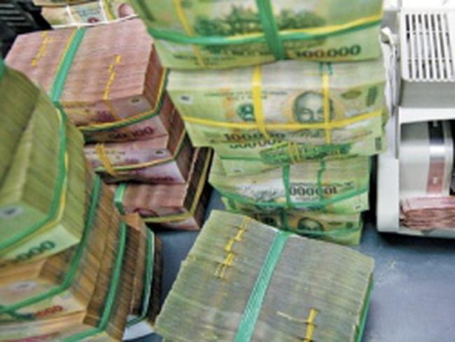 Nợ công, nợ ngân hàng của Việt Nam được hé mở