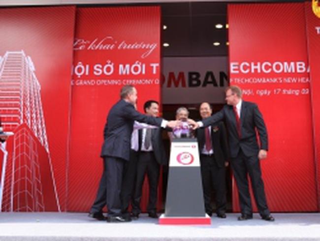 Techcombank chính thức chuyển về trụ sở mới tại 191 Bà Triệu