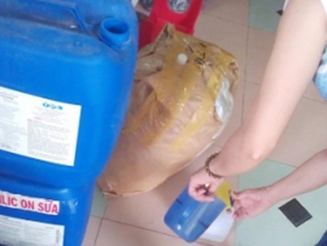 Tràn lan chất tẩy thực phẩm khô