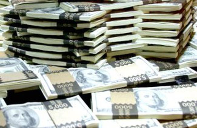 Cầu vốn ngoại tệ gia tăng