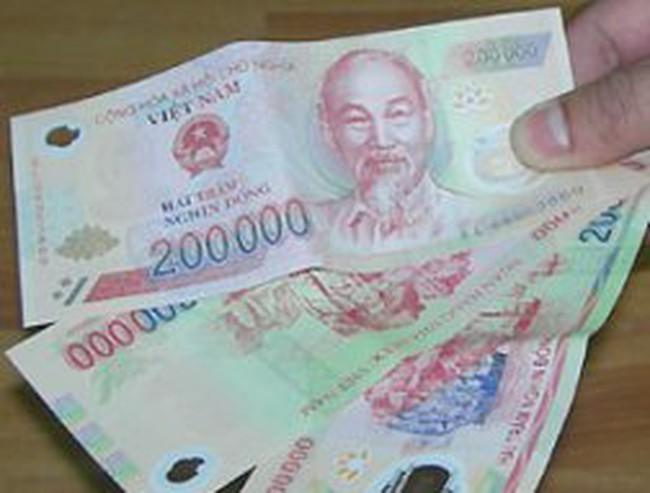 NHNN: Cách nhận biết tiền giả polymer 200.000 đồng mới xuất hiện