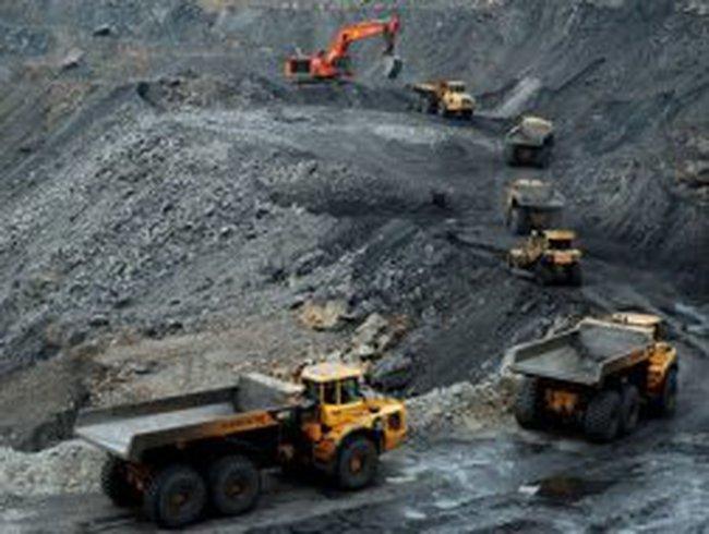 Giá than xuất khẩu giảm nhanh hơn trong nước