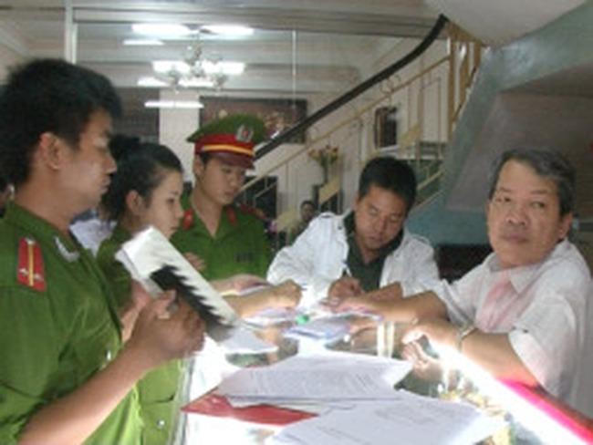 Chủ tiệm vàng lớn tại Huế bị xử phạt vì mua bán ngoại tệ trái phép