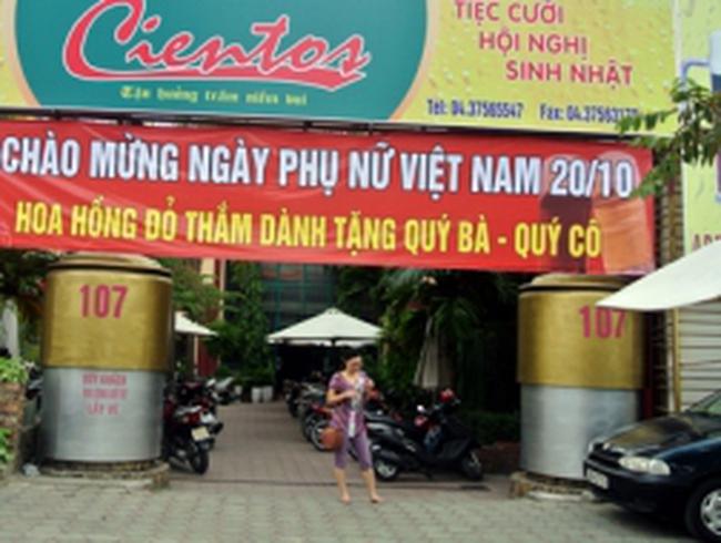 Quán bia cũng giảm giá ngày... Phụ nữ Việt Nam