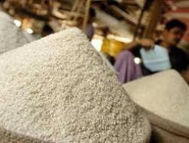 Tăng giá sàn xuất khẩu gạo 5% tấm lên 410 USD/tấn
