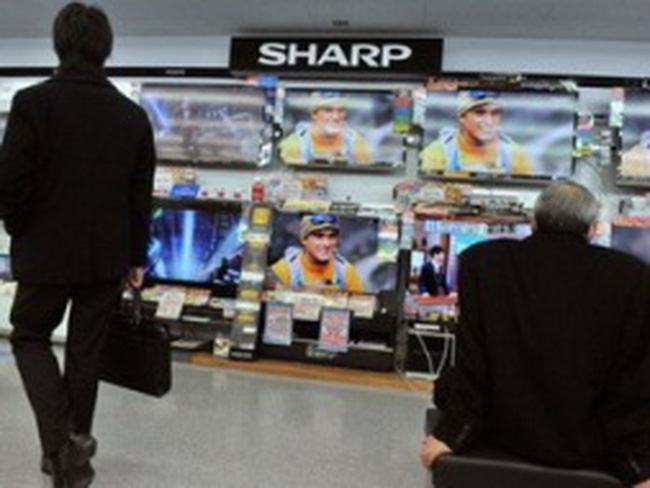 """Fitch xếp tập đoàn Sharp vào diện """"không nên đầu tư"""""""