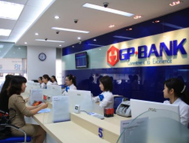 Dịch vụ ngân hàng điện tử ngày càng hút khách