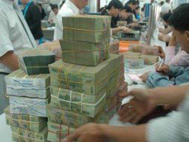 Cung tiền Tết Dương lịch, bơm kỷ lục 14.000 tỷ cho ngân hàng