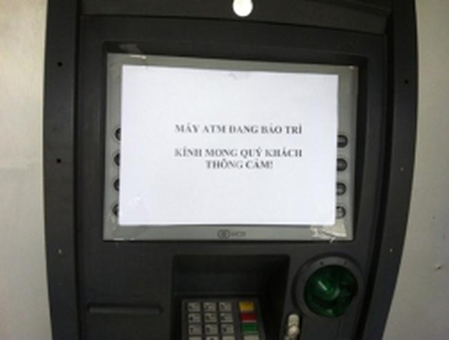 Đủ chiêu trò 'né' phí ATM