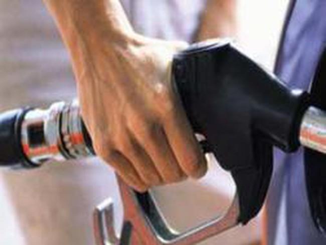 Tăng trích quỹ bình ổn, không tăng giá xăng dầu