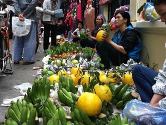 Giá hoa quả, thực phẩm 'nhảy múa'