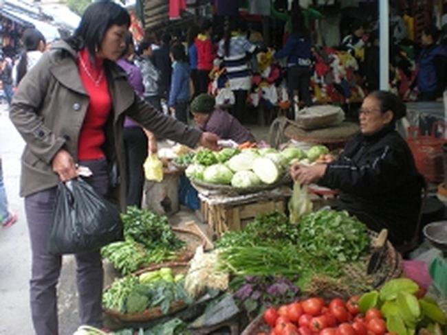 Giá thực phẩm tăng mạnh theo rét